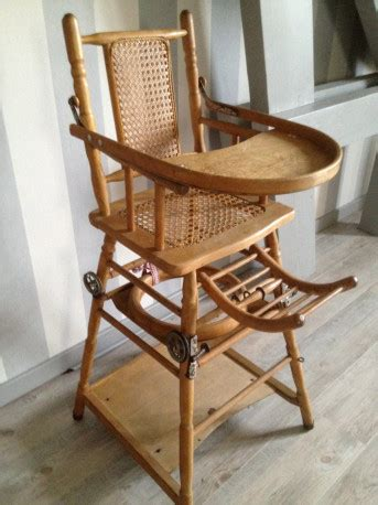 chaise haute bebe bois chaise haute bebe en bois vintage les vieilles choses