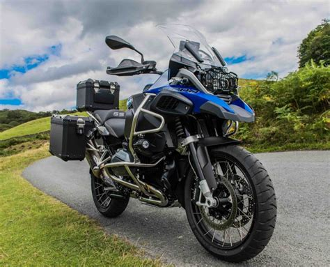 Bmw Motorrad R1200gs by 11 Adventure Motorcycles Ready To Go The Distance