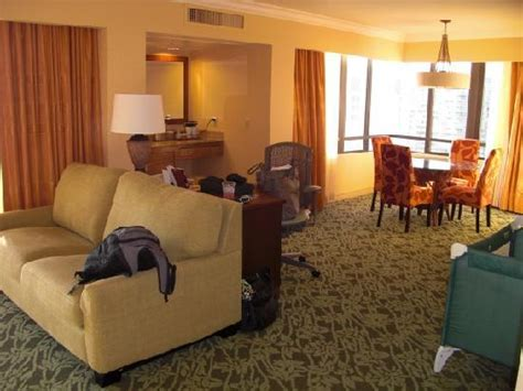 tapa tower one bedroom suite tapa tower 2930 suite dining room picture of hilton