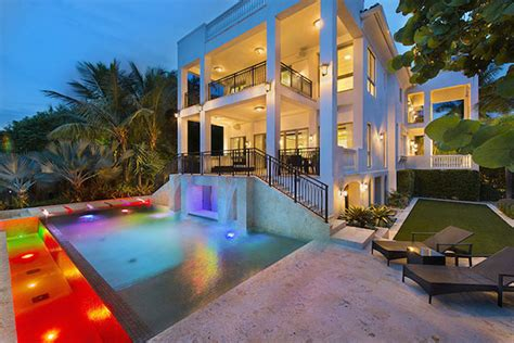 Lebron House On Cribs by Lebron Selling His Miami Mansion For 17 Million