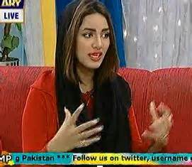 mathira discussing her condom add with nida yasir and mani