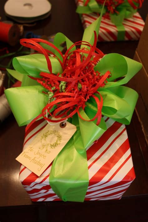 wrapping gift 38 best images about gifts wrapping bows on pinterest