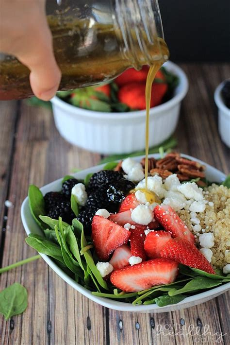 Spinach Salad with Quinoa