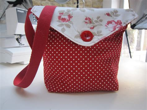 tote bag pattern free youtube reversible messenger bag tutorial by debbie shore youtube
