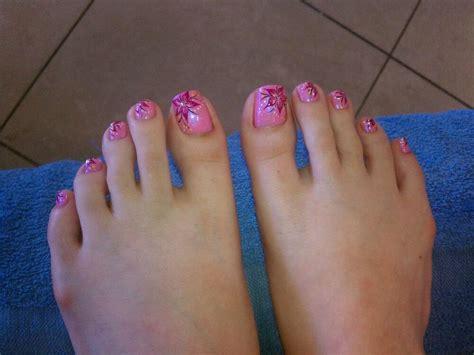flower design on toenails 11 hawaiian flower toe nail design images hawaiian