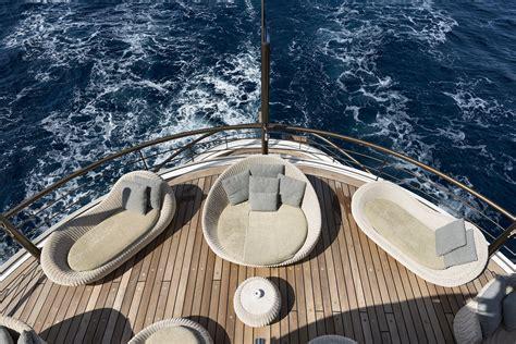 yacht upper deck motor yacht chakra upper deck luxury yacht browser