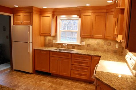 maple kitchen cabinets with granite countertops maple cabinets granite countertops 171 maloney contracting