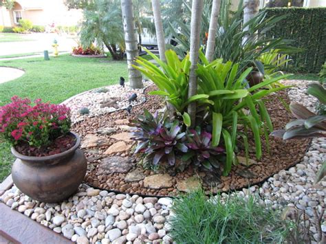 Rock Garden With Potted Plants Fla Rock Garden Landscape