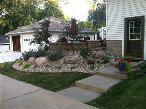 Garage Landscaping Ideas by Transition Space Between House And Detached Garage