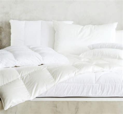 piumoni per letto matrimoniale piumoni letto piumini per letto divani colorati moderni