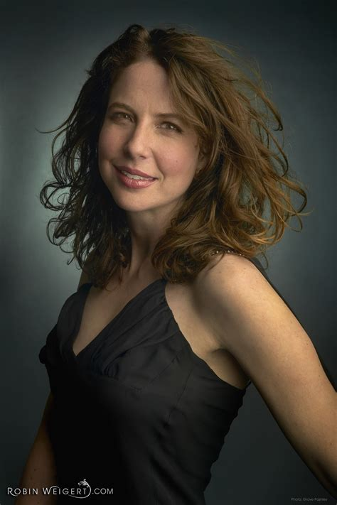 dark headed famous actresses from the 40s robin weigert biography about robin