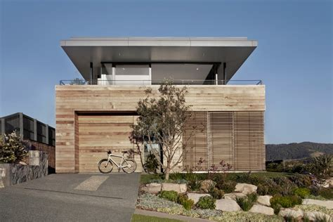 modern beach houses modern beach house camouflaged as driftwood box lamble residence freshome com