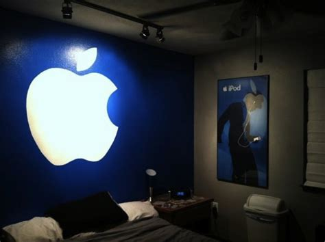 steve jobs bedroom com readers spice up halloween with apple themed costumes
