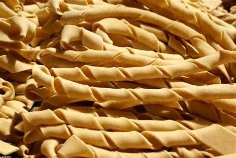 pasta acqua e farina fatta casa pasta fatta in casa la pasta acqua e farina italiano e