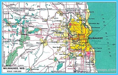 milwaukee on map map of milwaukee wisconsin travelsmaps