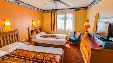 chambre f馥 a la d 233 couverte de la route 66 gr 226 ce au disney s hotel