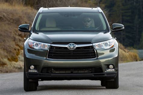 Toyota Reviews 2015 2015 Toyota Highlander Review And Specs New Automotive
