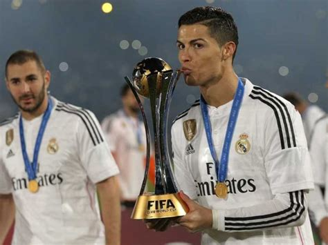 cristiano ronaldos agent rules  manchester united