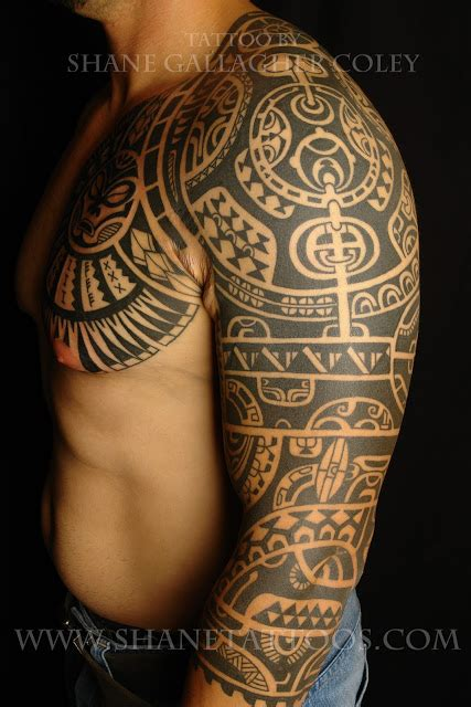 the rock s chest tattoo maori polynesian tattoo the rock inspired tattoo