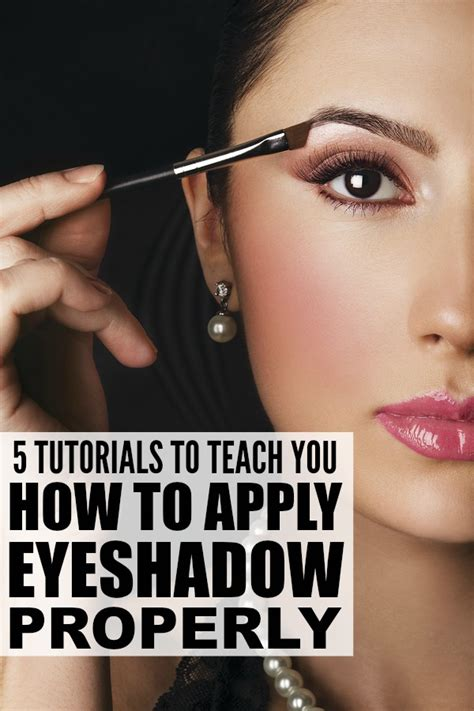how to use eyeshadow palettes correctly 5 tutorials to teach you how to apply eyeshadow properly