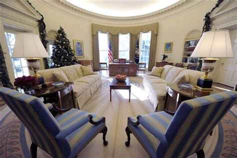 new oval office decor obama adds his style to oval office decor today gt news