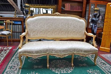 sofa louis xv a vendre stunning louis xv style giltwood sofa