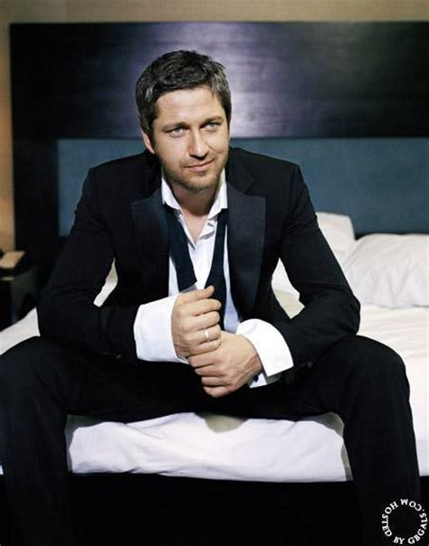 irish men in bed may 1 2007 photoshoot gerard butler photo 8730135
