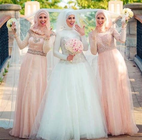 Baju Pengatin Putih inspirasi gaun pengantin muslim ini bisa membuatmu tak
