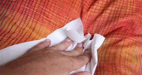 comment nettoyer urine de sur canapé tissu enlever odeur urine de sur canape 28 images les