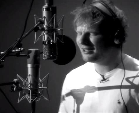 ed sheeran fire 4 ed wowing thousands of fans with his incredible song i