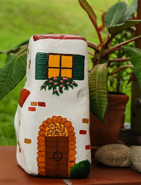 painted rock houses painted rocks houses for garden crafts pinterest