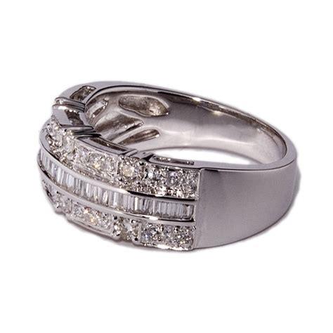 imagenes de anillos en oro blanco anillos de oro blanco con 61 diamantes