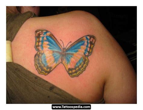tattoo on back shoulder woman back shoulder tattoos for women 15