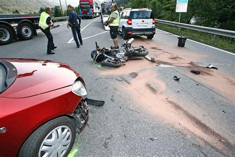 Unfall Motorrad Tirol by T 246 Dlicher Motorradunfall Auf Der Reschenstra 223 E Tirol Orf At
