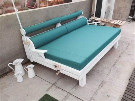 diy wood pallet couch diy recycled pallet garden sofa 101 pallets