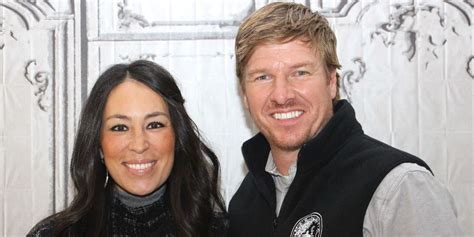 chip and joanna gaines gallery what you need to know about chip and joanna gaines new bakery magnolia flour delish com