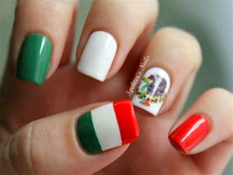 uas mexicanas decora tus uas tricolor para dar el grito