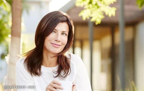 which hairstyle at forty to look younger 40 hairstyles to look 10 years younger stylishwife