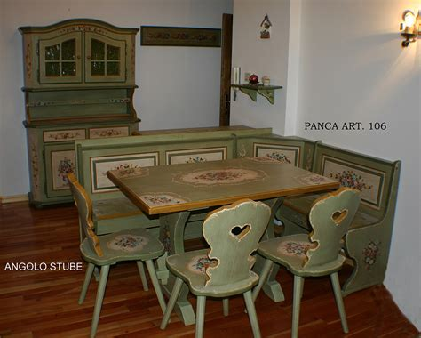 tavoli ad angolo tavolo panca angolo 3 sedie decorato trentino