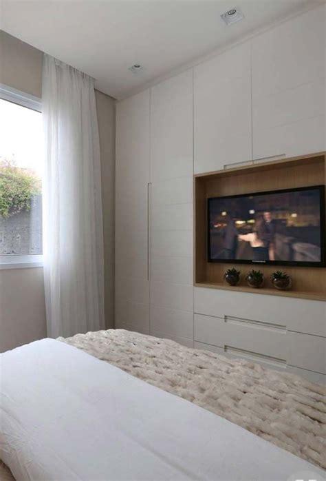painel de tv embutida  guarda roupa  imagens armarios de quarto casal quarto casal
