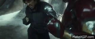 Kaos Captain America Vs Iron civil war trailer world premiere bucky cap vs ironman