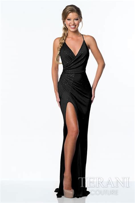 Black Split Longdress W8180usi D turn heads in this sleek stunning and evening gown
