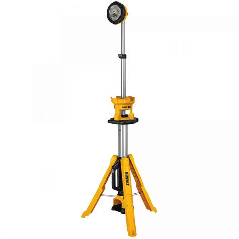 dewalt 20v led light dewalt 20v cordless tripod light dcl079b dcl079r1 tool craze