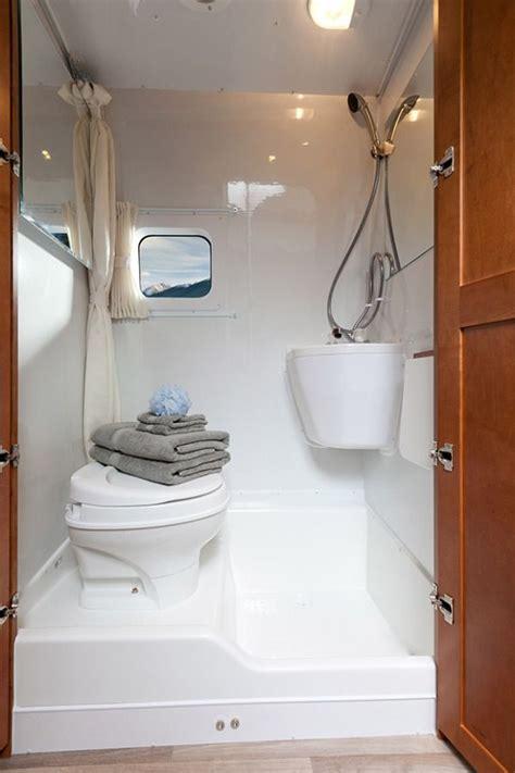 Rv Bathroom Remodeling Ideas by Best 25 Rv Bathroom Ideas On Cheap Kitchen
