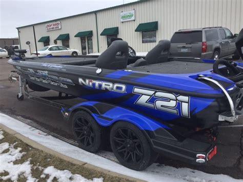 flat bottom boat wraps nitro z21 boat wrap ultimateboatwraps nitroboatwraps