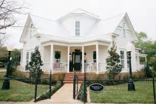 Fixer upper magnolia house bed and breakfast