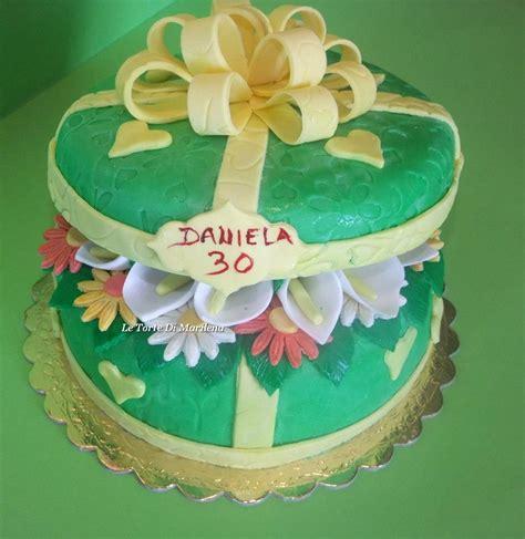 regalo fiori torta pacco regalo con fiori le torte di marilena