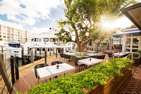 boat yard miami dock and dine at these south florida seaside restaurants