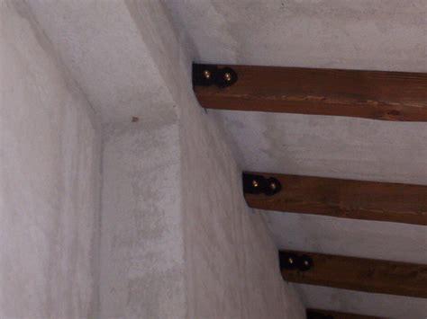 soffitti in legno lamellare travi in legno massello o lamellari a soffitto segesta