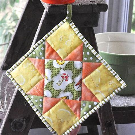Free Potholder Quilt Patterns by Quilted Potholder Tutorial Patterns To Try
